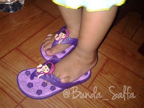 Salfa dan Sandal Baru