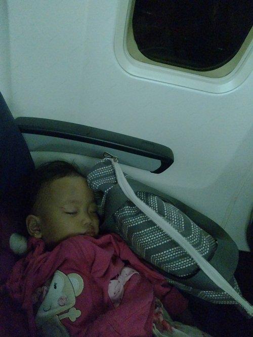 Salfa Tidur Nyenyak di Pesawat